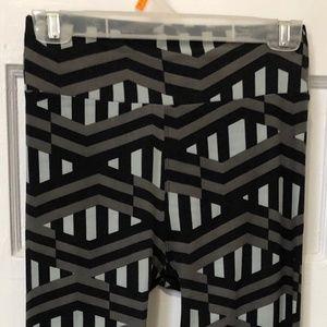 LuLaRoe Pants - LuLaRoe Black & Gray Print Leggings Size OS